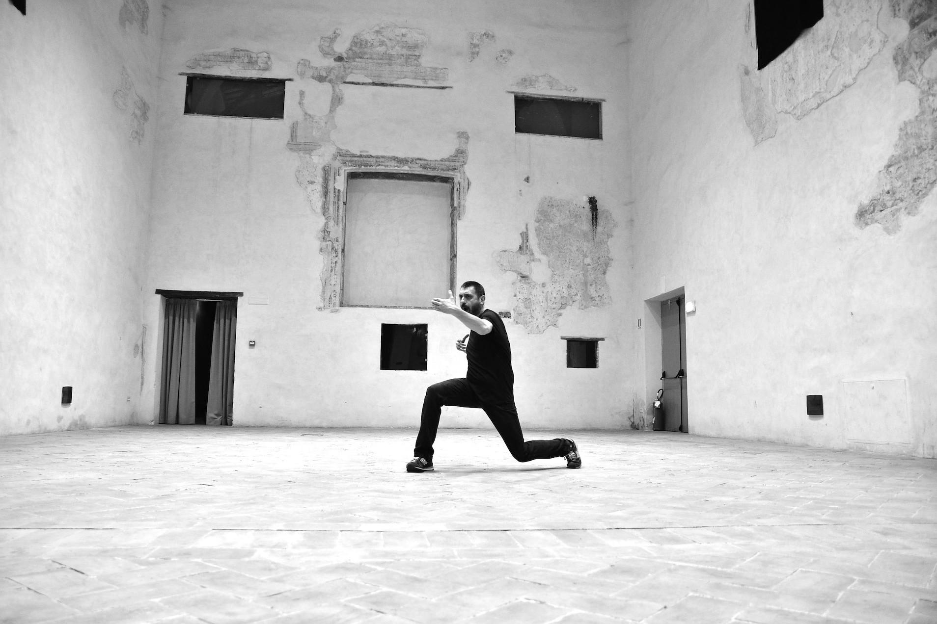 The situation. DOGOD / Barbara Berti / Marco Mazzoni / ph. Mariella Nanni / TIR Danza / Xing